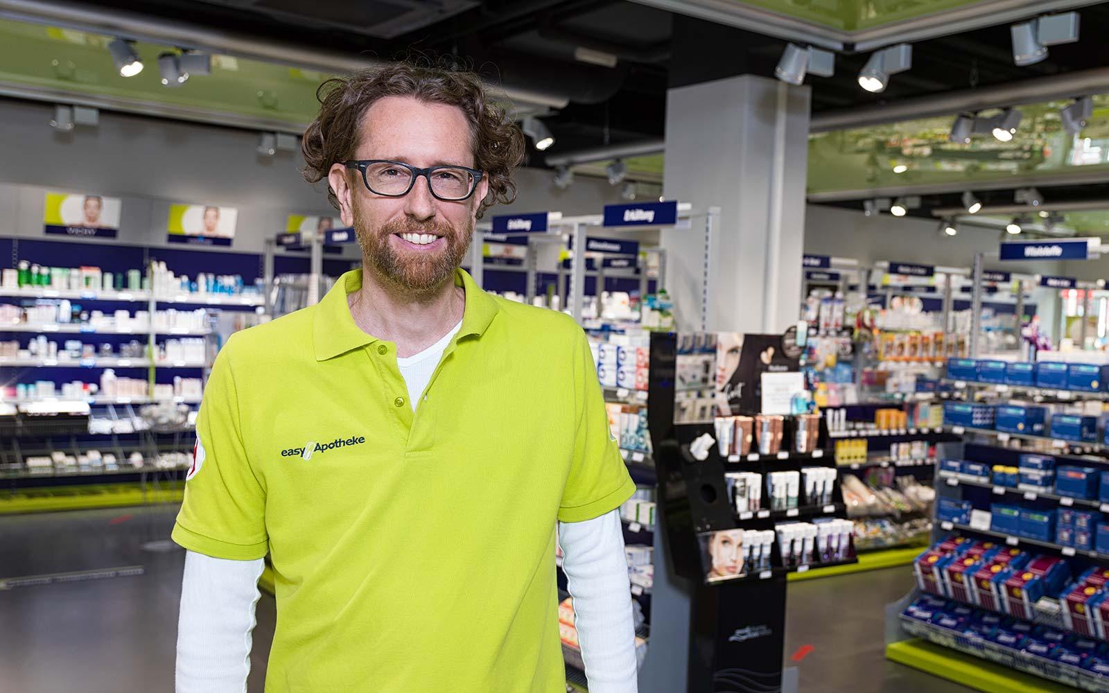Apotheker Dr. Christoph Gehrke in seiner easyApotheke in Mutterstadt