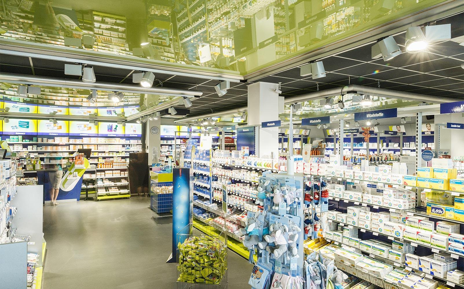Die Offizin der easyApotheke Neumarkt von Apothekeninhaber Peter Dorfner