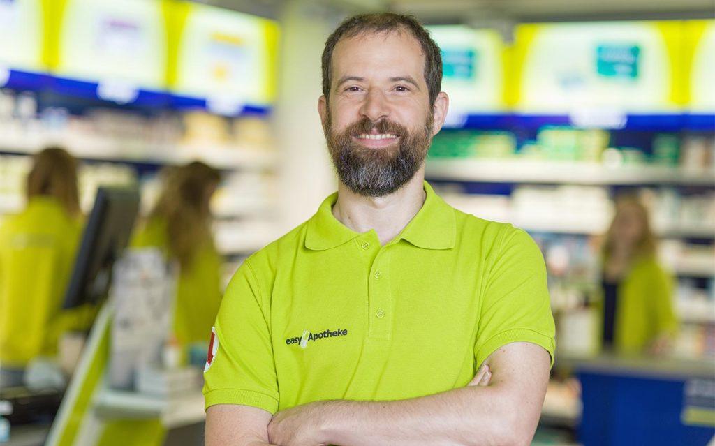 Apothekeninhaber Peter Dorfner in seiner easyApotheke Neumarkt