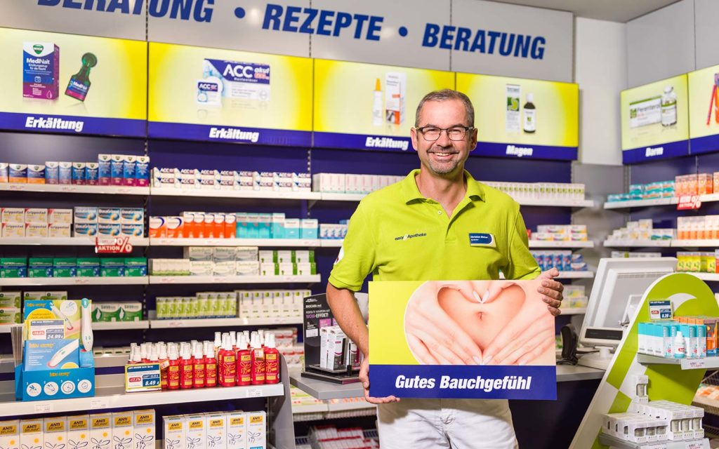 Apotheker Christian Melzer in seiner easyApotheke Adlershof in Berlin