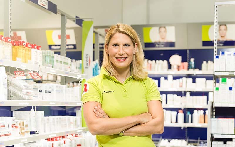 Apothekerin Stephanie Kühne in Ihrer easyApotheke in Freising